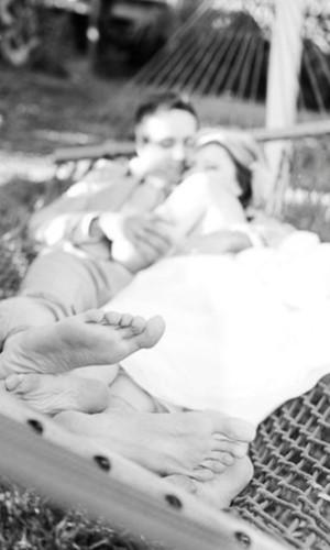 Ретро фото молодоженов и плетеный гамак